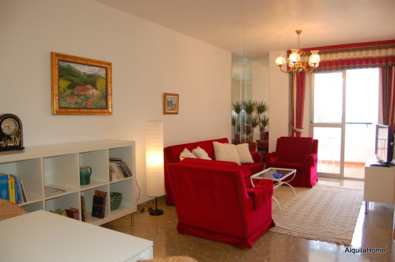 Apartamento de 2 dormitorios para vacaciones con terraza for Para desarrollar su apartamento con terraza